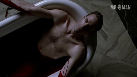 Americanhorrorstory 02x13 fiennes br hd 01 large 3
