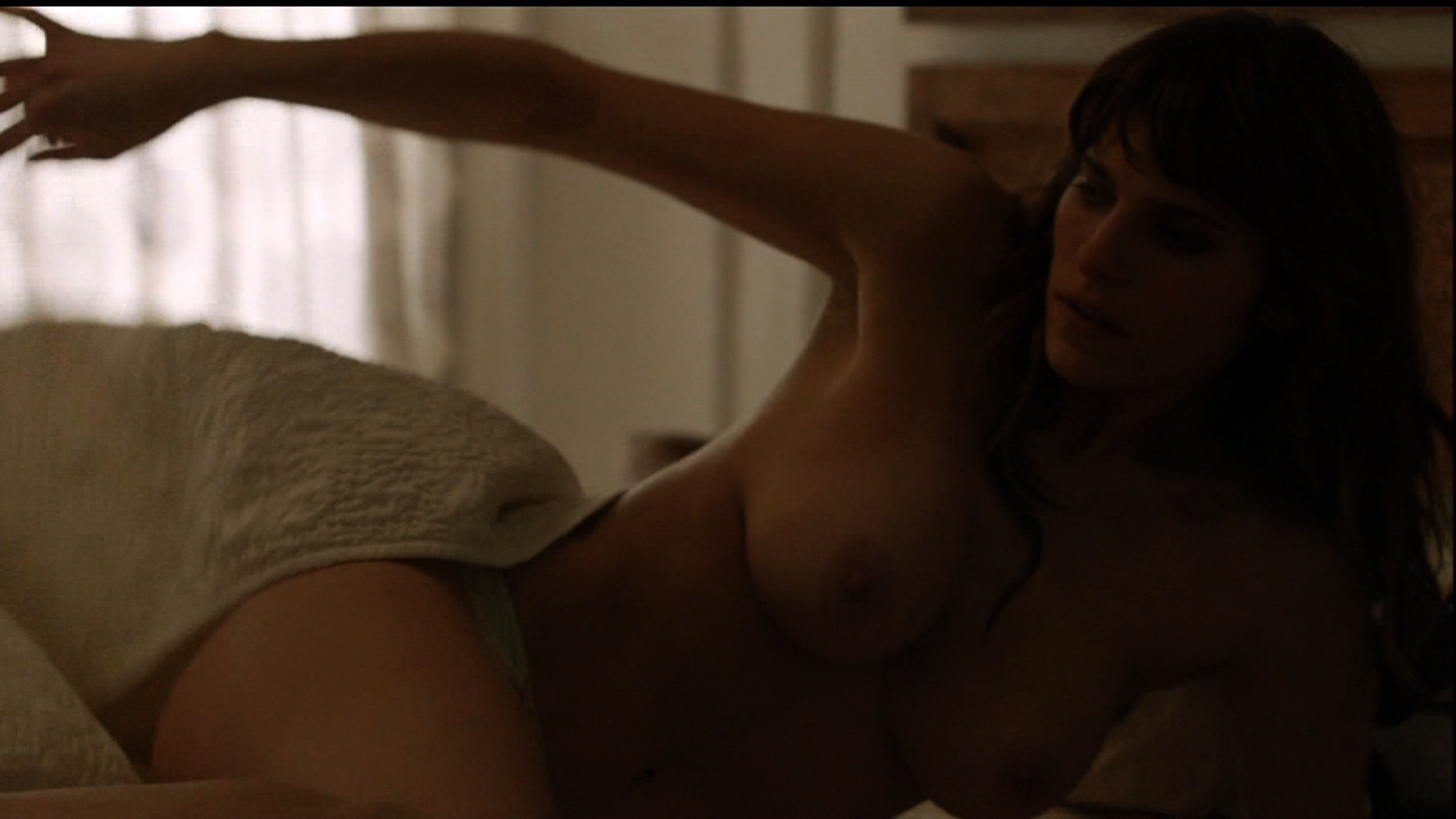 Lake Bell Makes Her Nude Debut On How To Make It In -3453