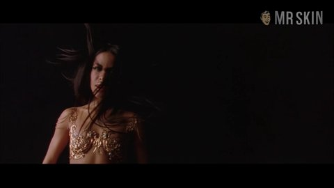 Queenofthedamned aaliyah hd 02 large 5