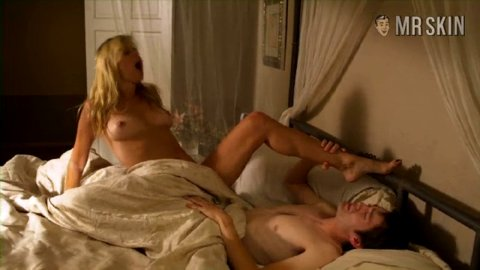 All Nude Celeb Gifs Amy Lindsay From Milf Nude Picture