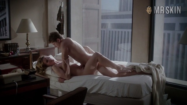 Carrie the movie nude scenes — pic 14