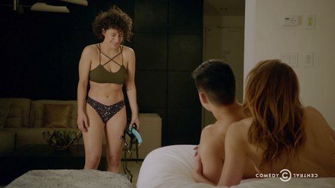 Broadcity 04x04 glazer reiner hd 01 large 5