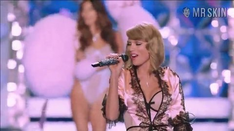 Vsfs2014 dreamgirls hd 01 large 3