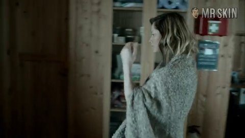 Fortitude s01e02 siennaguillory br hd 01 large 3