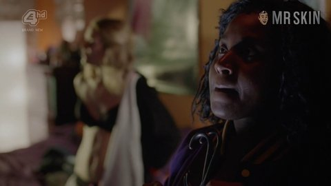 Crazyhead 01x04 theobold hd 01 large 5
