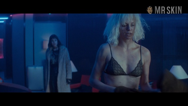 Atomicblonde br theron hd 08 large thumbnail 3 override